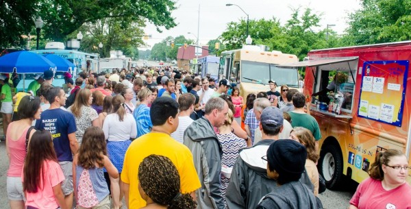 Food Truck-21-crowd